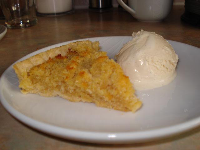 treacle tart with vanilla ice cream