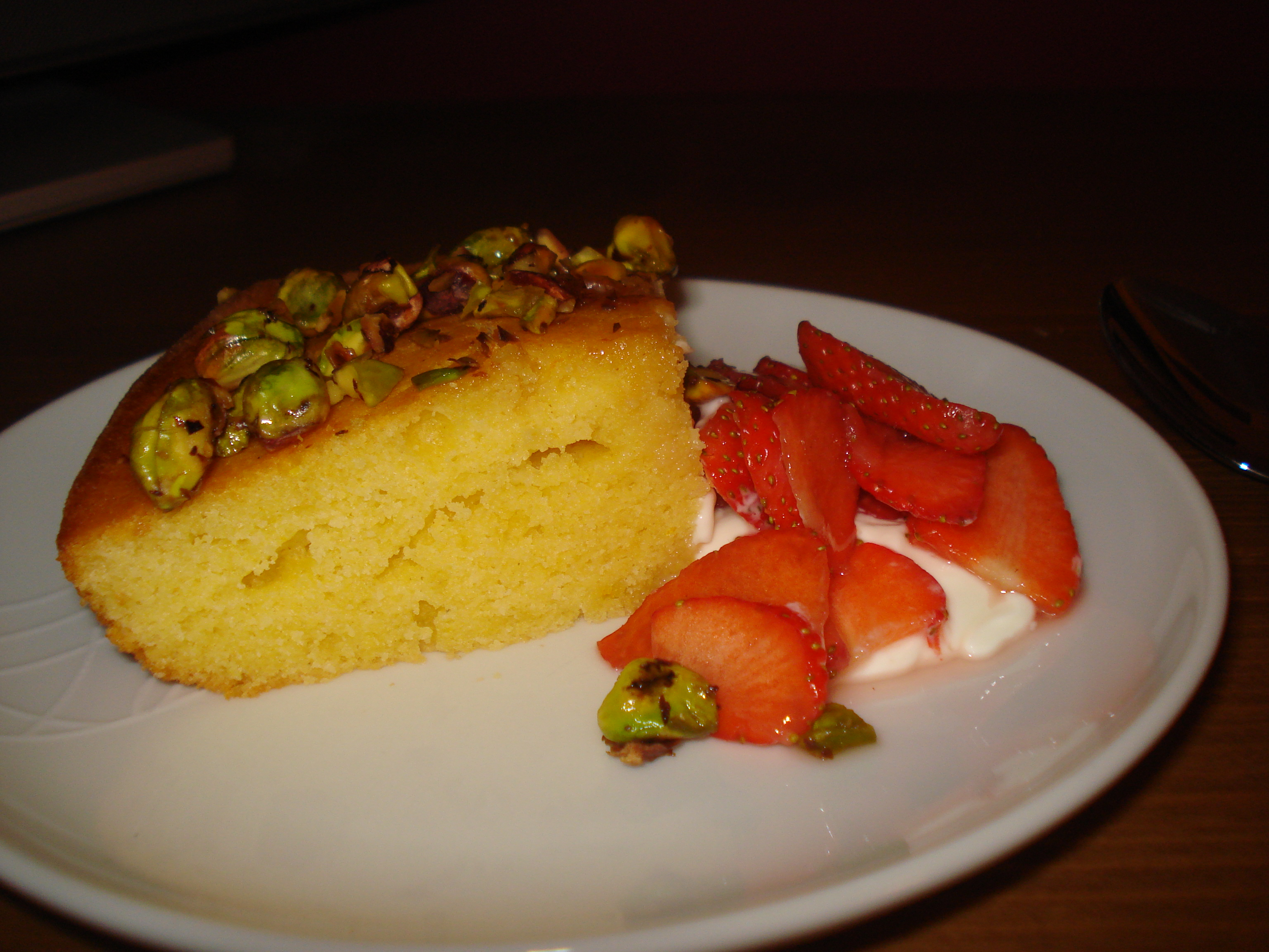 honey and pistachio cake