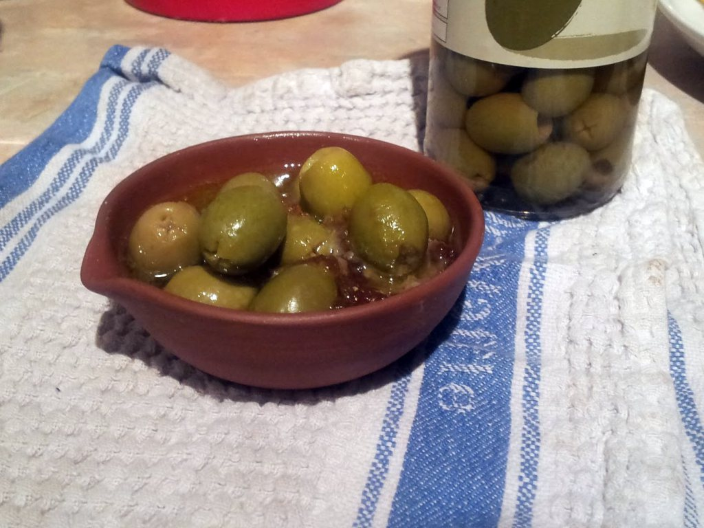 olives with dates, pine nuts and chilli
