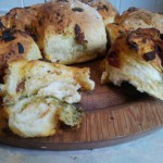 tear and share pesto bread