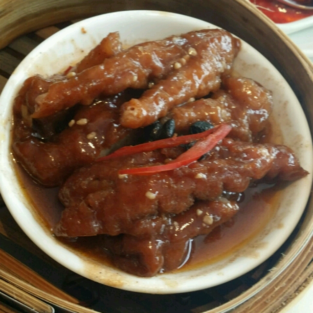 chicken feet in black bean and chilli