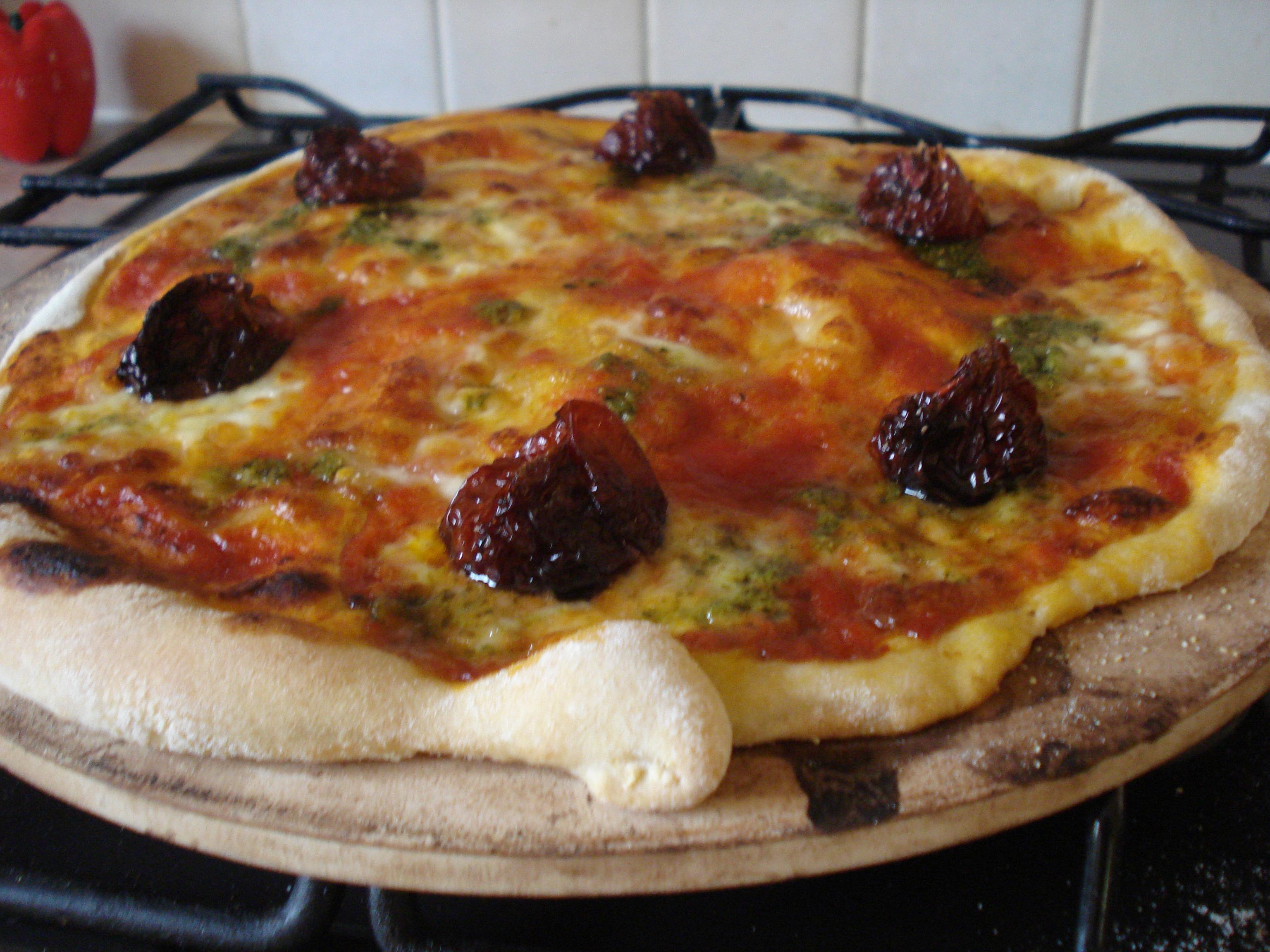 slow-roast tomato and pesto pizza
