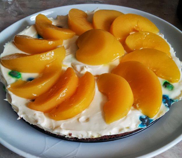 m & m cheesecake with pop tart base