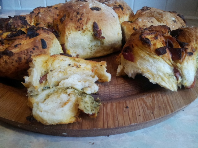 tear and share pesto bread